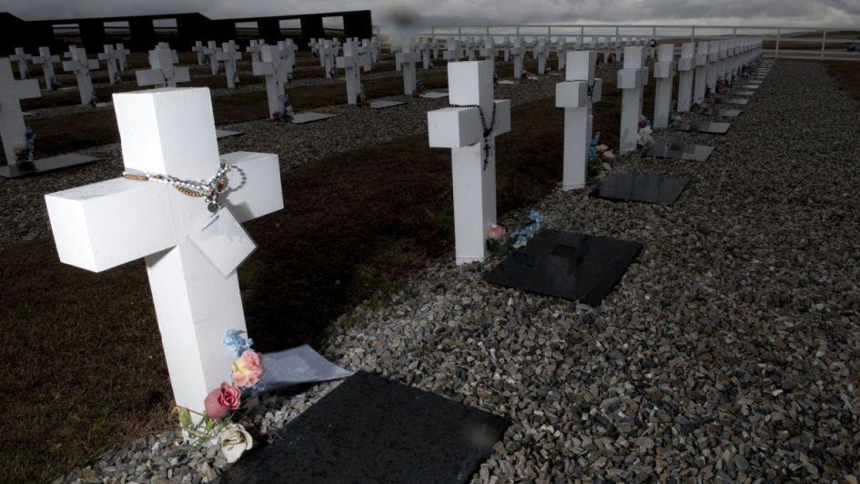 Identifican a un nuevo soldado argentino caído en Malvinas y ya son 102