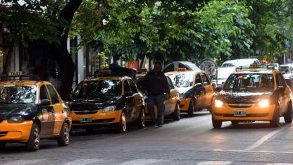 """Los dueños de taxis no se resignan a aceptar la Ley de Movilidad. Para el Gobierno, están """"encaprichados""""."""