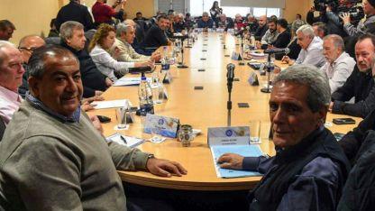 Héctor Daer, Juan Carlos Schmid y Carlos Acuña, entre los principales referentes sindicales.
