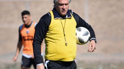 """El """"Chaucha"""" Bianco volverá a utilizar el 4-4-2, aunque no confirmó el equipo para hoy."""