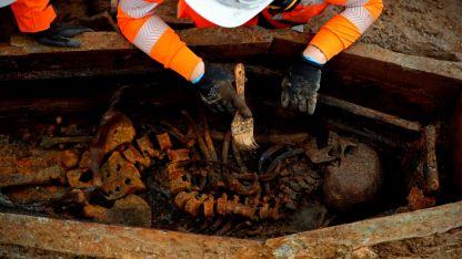Más de 1.200 de unos 40.000 restos ya fueron desenterrados en St James Gardens.