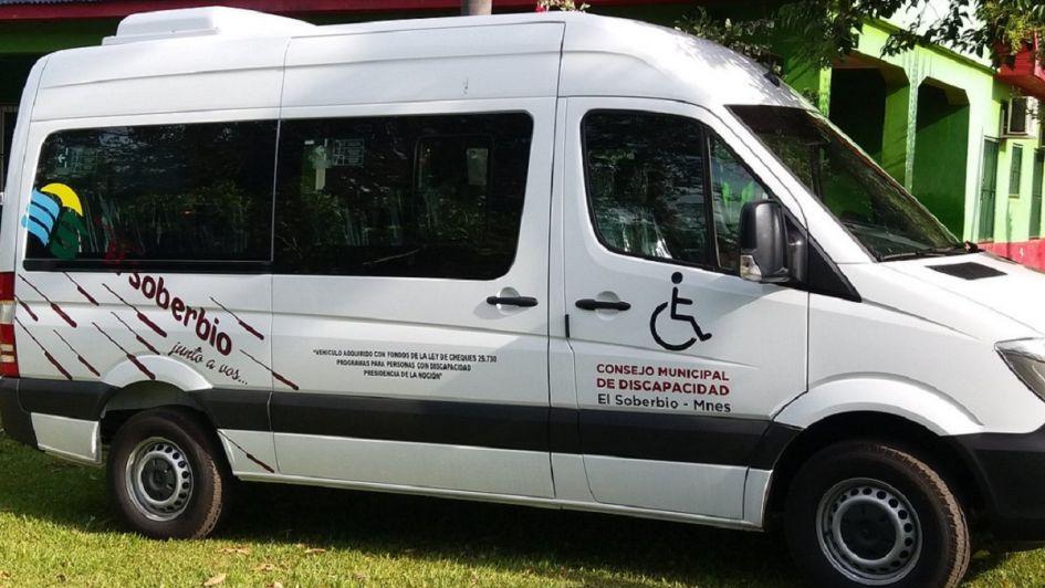 Un nene con discapacidad pasó 3 horas encerrado en una combi porque se lo olvidó el chofer