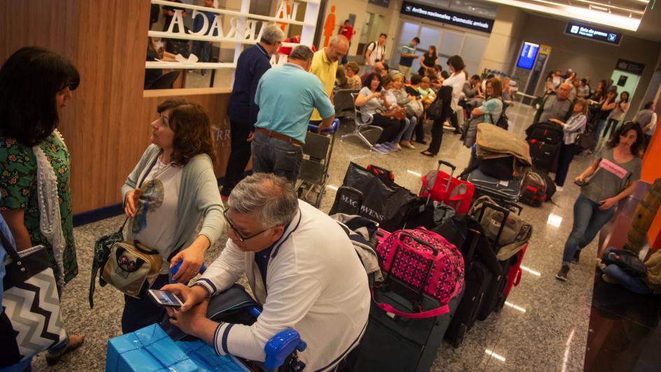 Aerolíneas: 30 mil pasajeros afectados por una medida gremial
