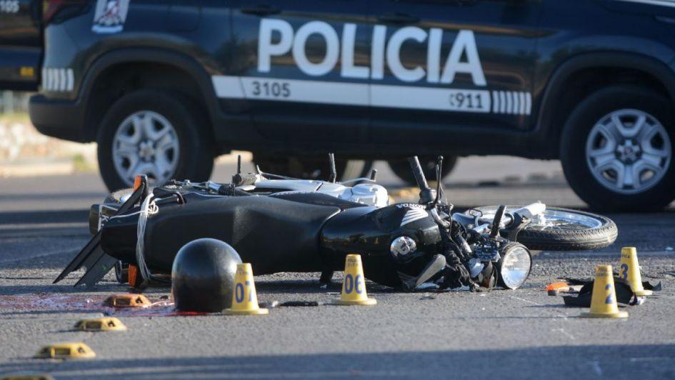 Un joven motociclista está internado en grave estado tras chocar con un auto en Las Heras