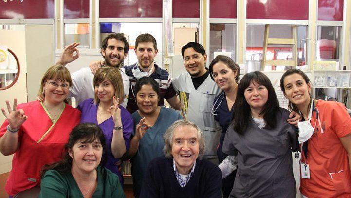 Carlitos Balá llevó su alegría al Hospital Garrahan
