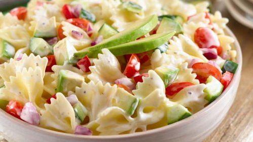 Deliciosa y fresca: ensalada de pasta con atún