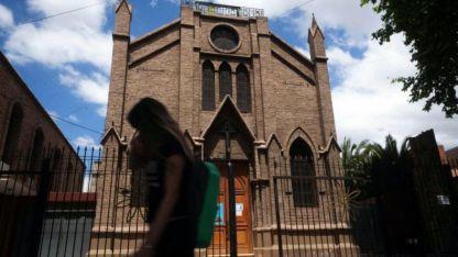 Por constitución. Argentina se define católica y recibe dinero por ley. Los aportes irán reduciéndose de forma paulatina.