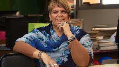 Entre libros. Eliana es la directora de la biblioteca pública Manuel A Sáenz de Las Heras.