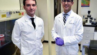 Diego y Javier. Trabajan en precisar el origen de los tumores.