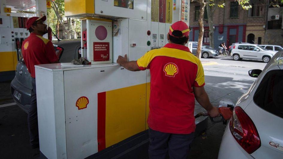 Shell da marcha atrás con aumentos de la nafta