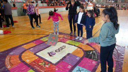 La Red Provincial de Educación Física Infantil se presentó ayer a la mañana en el Polideportivo Ribosqui de Maipú.