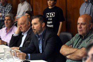 Todo ok. El senador Jaliff (UCR) y el autor de uno de los proyectos, Alejandro Abraham (PJ).