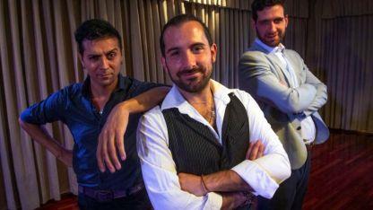 Tres para encender el ardor. Pablo Garay junto a Carlos Lobo (al centro) y Diego Lorenzo (der.).