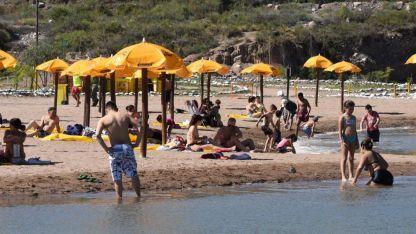 Luján Playa, uno de los lugares más elegidos por mendocinos para disfrutar el fin de semana.