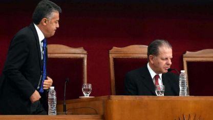 El gobernador y el juez. Cornejo le ha cuestionado a Jorge Nanclares las demoras de la Justicia para resolver las causas.