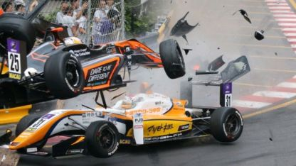 Impresionante accidente durante el Gran Premio de Macao de Fórmula 3