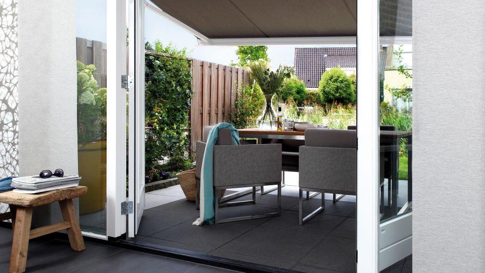 Rediseñar los espacios exteriores  con toldos