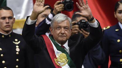 """Andrés Manuel López Obrador dijo que un lema para su gobierno podría ser """"acabar con la corrupción y la impunidad""""."""