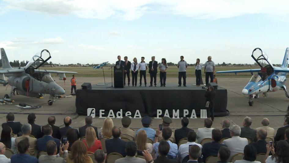 Macri presentó los nuevos Pampa y dijo que los utilizará para combatir el narcotráfico