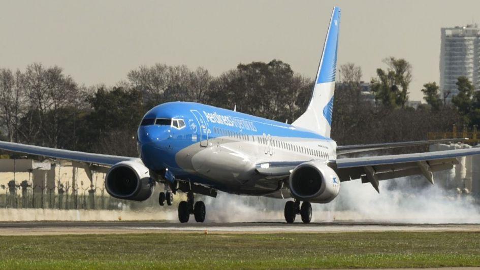 Aerolíneas Argentinas pone en funcionamiento un puente aéreo Buenos Aires-Mendoza