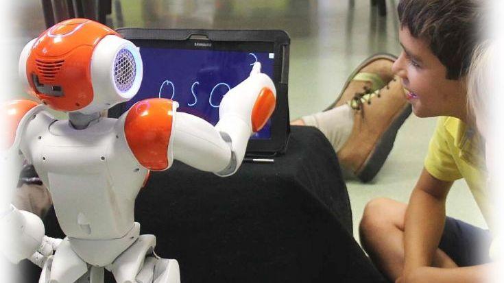 Inteligencia Artificial ¿Puede un robot reemplazar a un profesor? - Por Débora Schapira