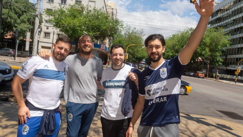 Hinchas de Rosario Central y Gimnasia coparon Mendoza por la final de la Copa Argentina