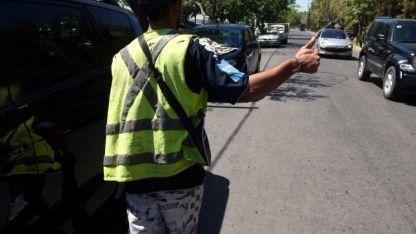 En 60 días, se iniciaron 25 causas a personas no autorizadas a cuidar coches, lavar vehículos o limpiar vidrios en la vía pública.