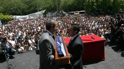 De radical a peronista. Cobos le pasa el mando a Jaque, en el momento más importante de la carrera política del malargüino.
