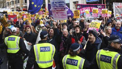 En Contra. Miles de personas manifestaron ayer contra la salida del Reino Unido de la UE.