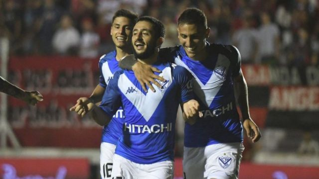 El sanmartiniano anotó dos goles en el empate frente a Patronato.