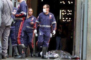 Una fotografía mostraba el cuerpo del tirador, vestido con jeans y una camiseta azul.