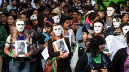 Desde los colectivos de mujeres convocaron a nuevas marchas para reclamar justicia y terminar con la violencia contra las mujeres.