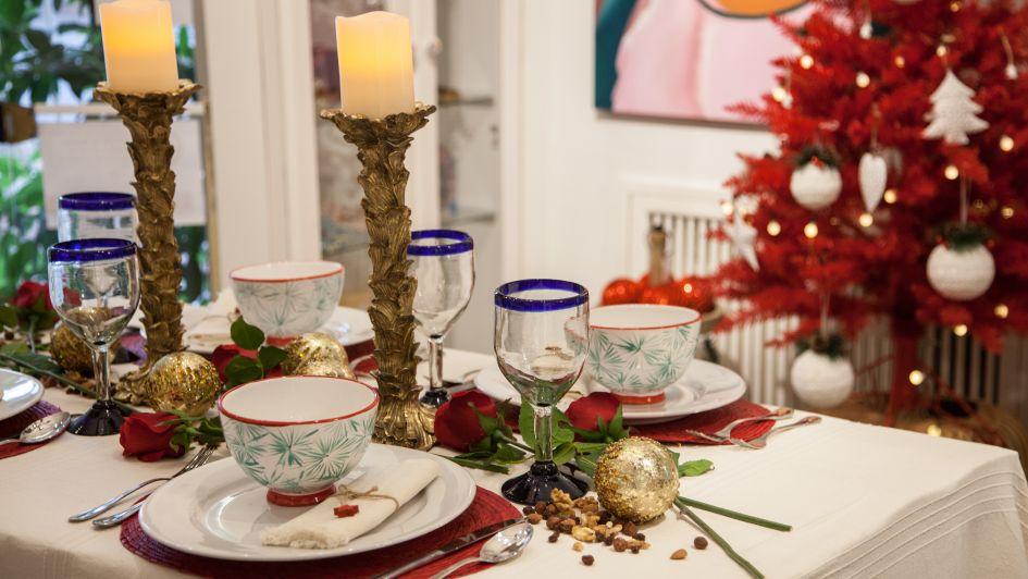 Todo el romanticismo en una mesa y un rincón para celebrar