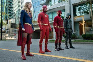 Supergirl, Flash, Arrow se cruzan en el crossover