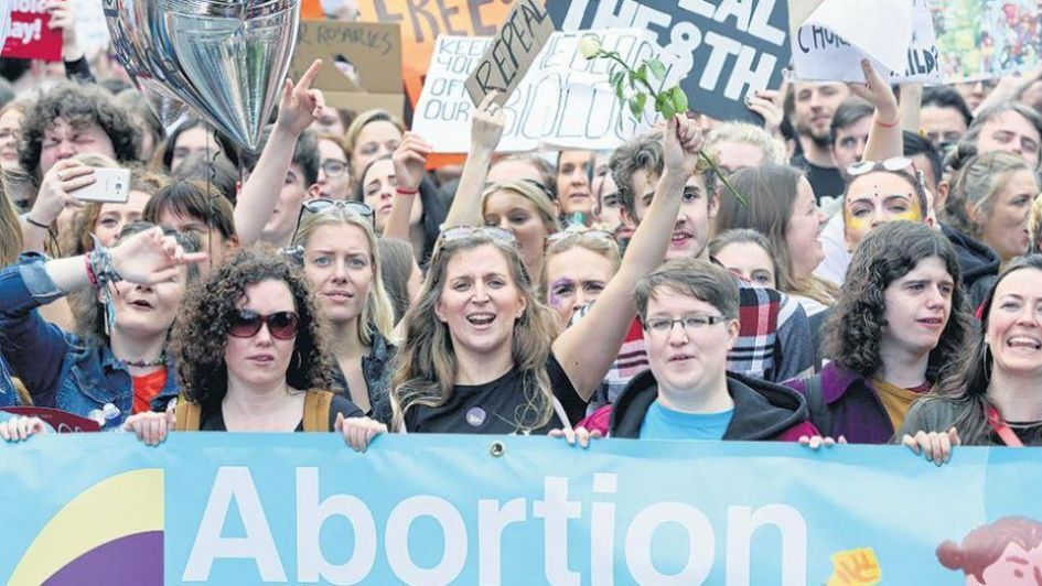 Irlanda aprueba la legalización del aborto