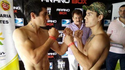 La figura local, Maximiliano Segura (derecha) frente a su rival, el cordobés Franco Jaime.