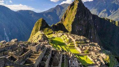Un clásico de clásicos: la espectacular ciudadela de Machu Picchu en medio de los Andes peruanos.