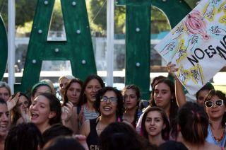 """""""No es No"""". Luego de la denuncia contra Darthés, se sucedieron varias protestas de mujeres en todo el país."""