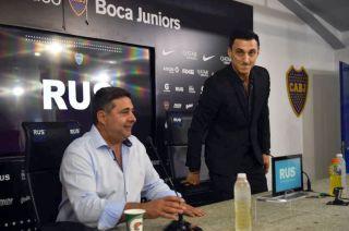 Burdisso se inició en Boca, donde ganó 2 torneos locales, 3 Libertadores y 2 Intercontinentales.