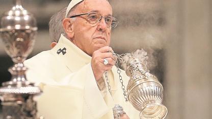 No sólo de la iglesia. Francisco sostiene que el tema de los abusos es un problema global.