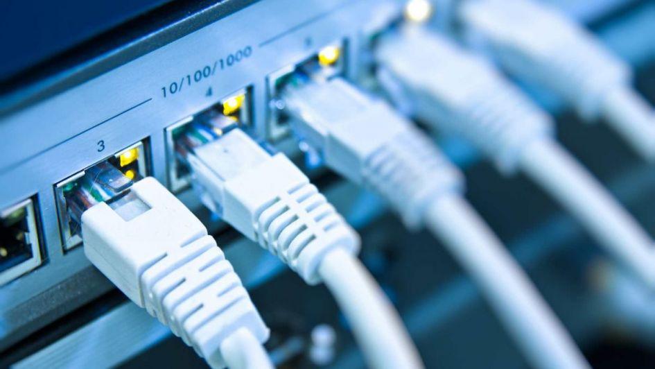 Rivadavia firmó dos acuerdos para mejorar su internet