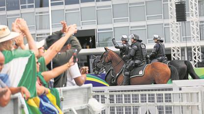 Con todo. Bolsonarquiere darle más poder e impunidad a los policías. Bajar la delincuencia fue su principal promesa de campaña.