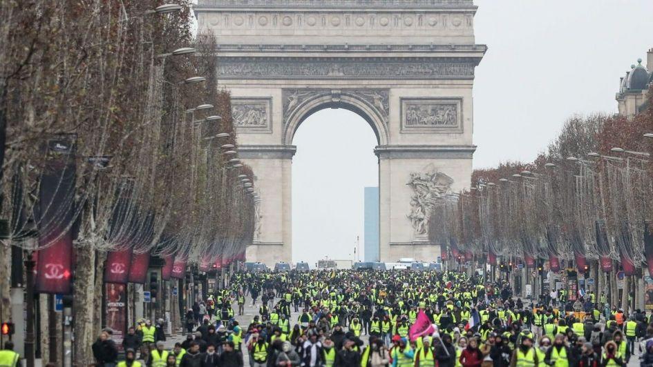 París: chalecos amarillos frenan el turismo