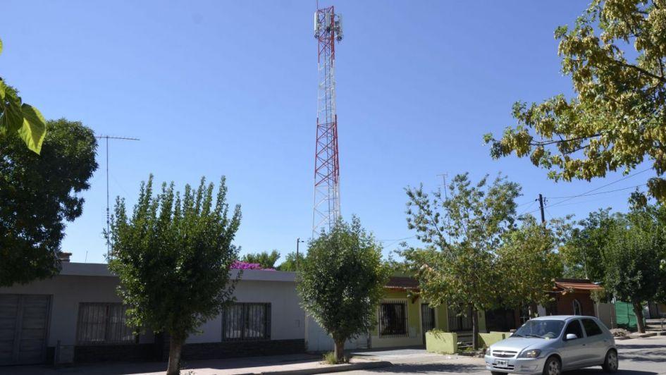 Piden en San Martín remover una torre de telefonía celular clandestina