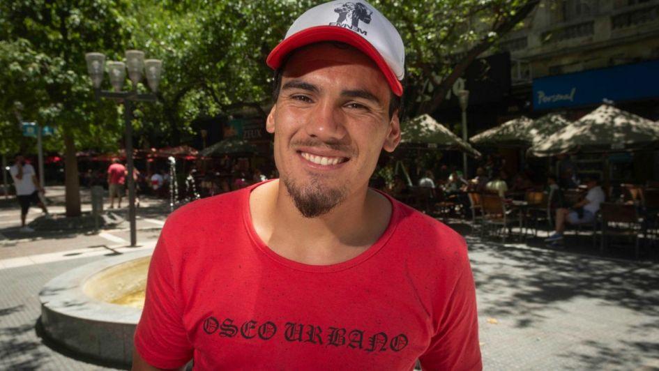 Revuelo en la Peatonal por la presencia de Mario Vilurón, el mendocino de