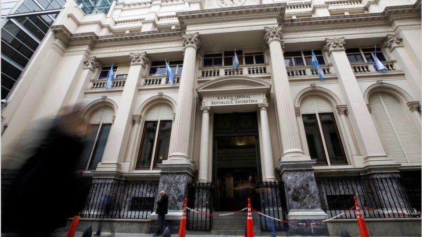 El Banco Central compró dólares a privados por primera vez en 19 meses