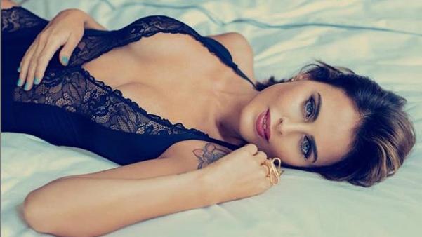 Silvina Luna calentó las redes con una foto al desnudo