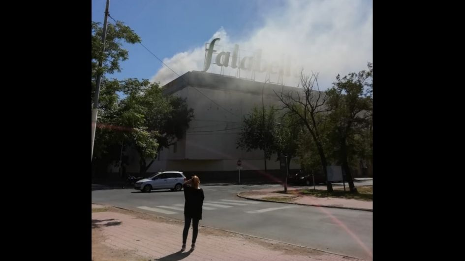 Evacuaron Falabella por un principio de incendio y el local quedó cerrado temporalmente