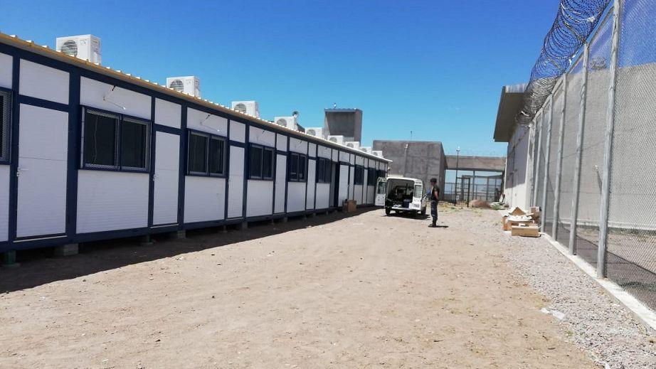 Suman 8 módulos al penal Almafuerte para que 160 presos puedan estudiar