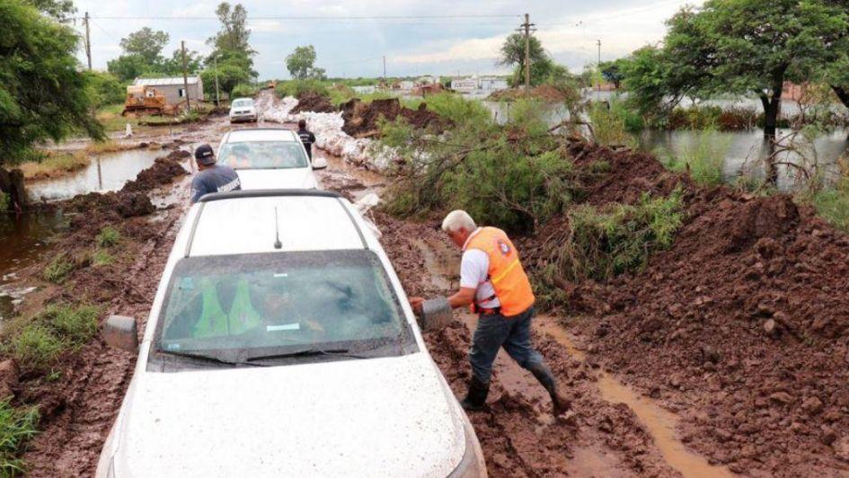 El intenso temporal en el norte argentino ya dejó cuatro muertos y miles de evacuados